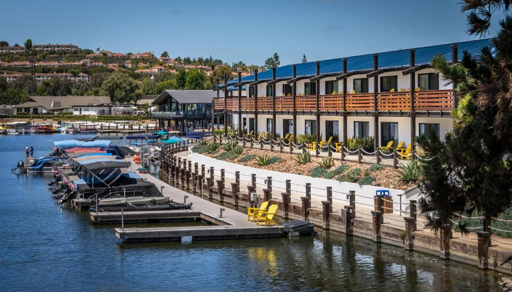Lakehouse And Resort San Marcos Ca Booking Com