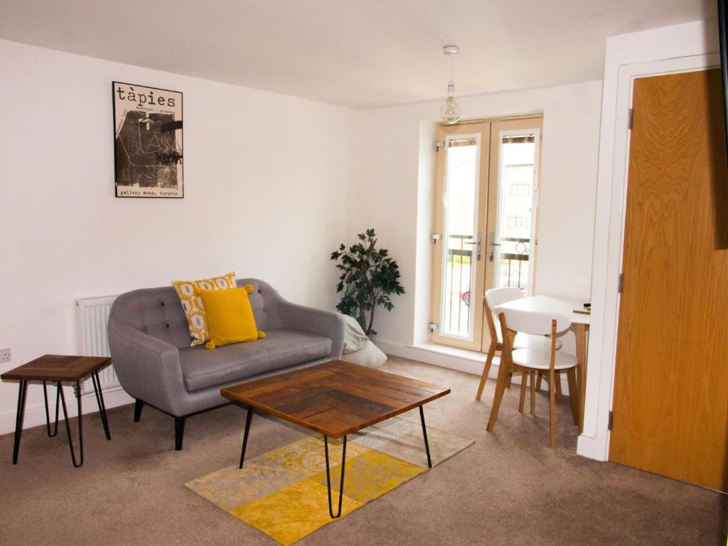 A seating area at Impressive Urban Townhouse - Leeds City Centre