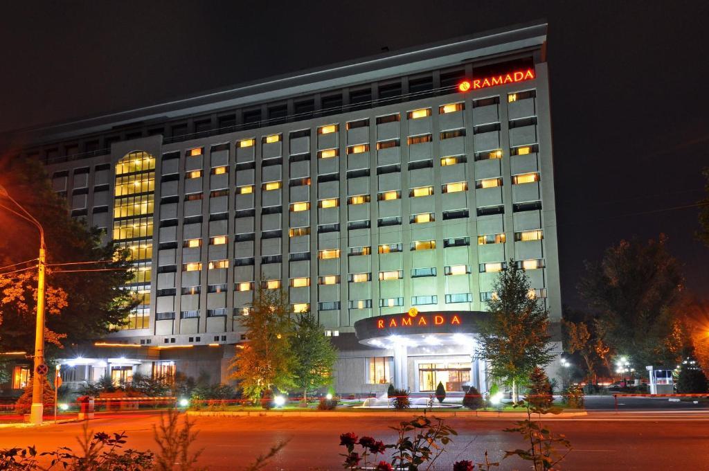 ラマダ タシュケント(Ramada Tashkent)