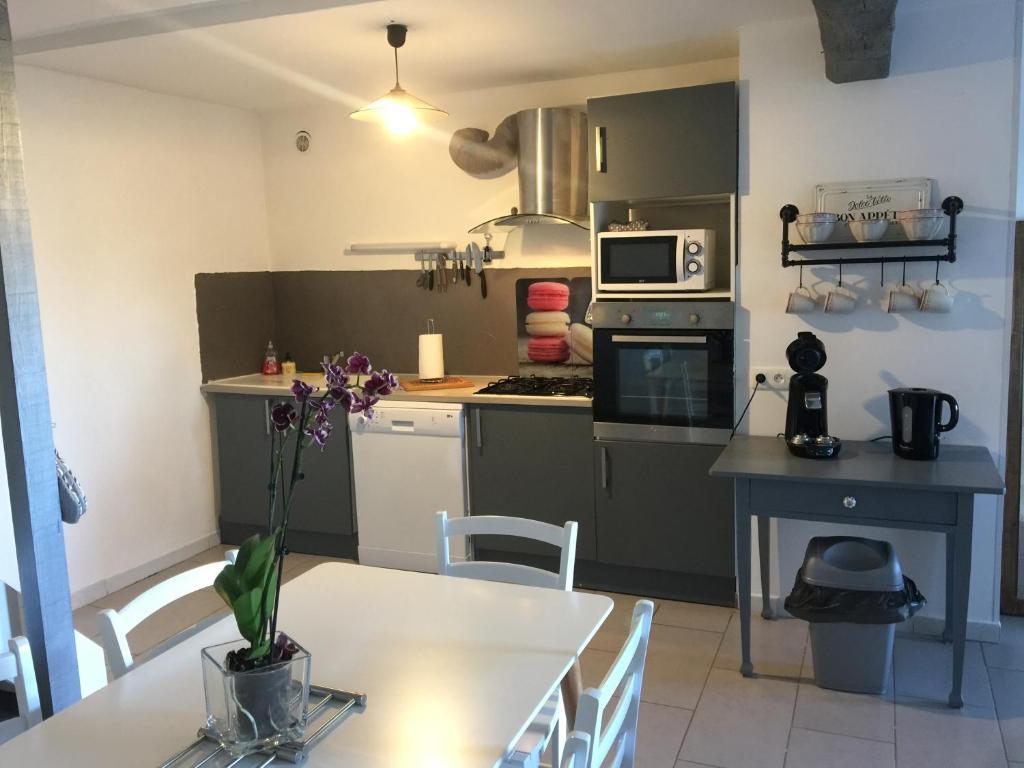 Apartments In Villeneuve-minervois Languedoc-roussillon