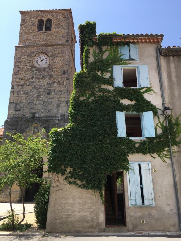 Street Map Of Quillan France.Vacation Home Entre L Eglise Et La Place Quillan France Booking Com