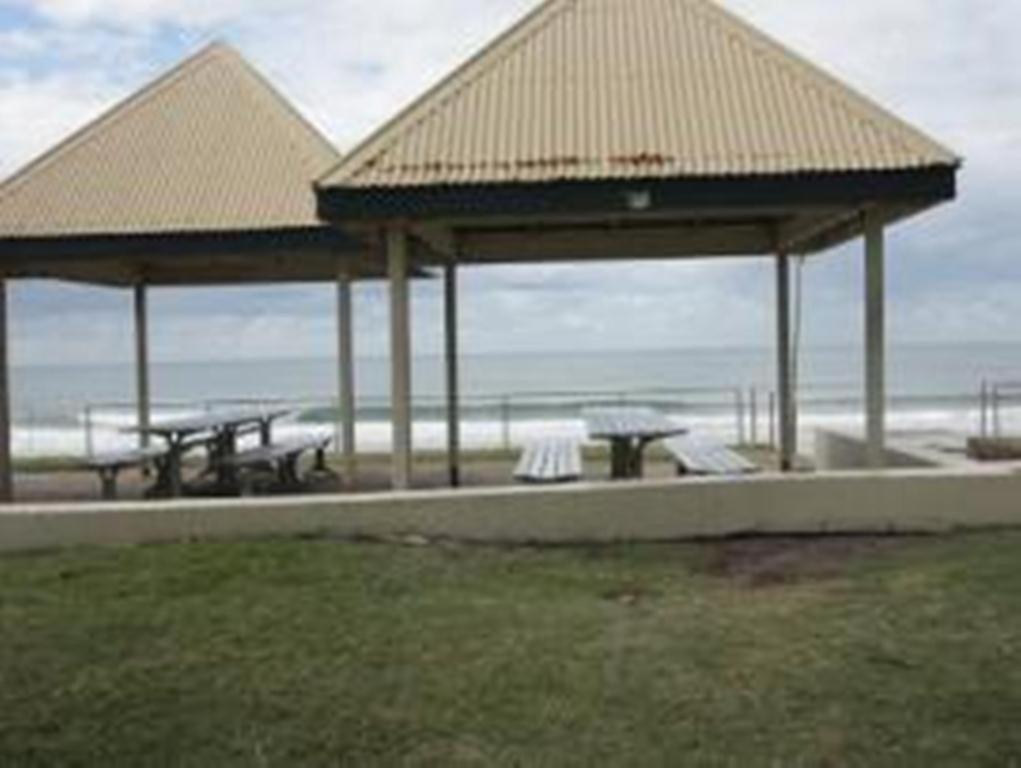 Avalon Apartments Alexandra Headland Australia Booking Com