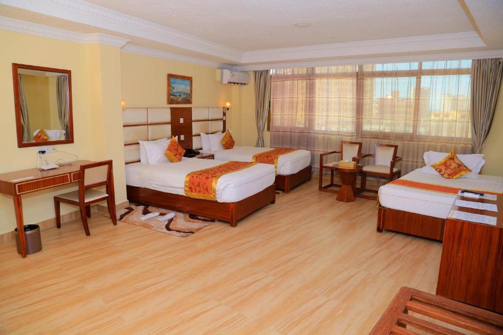 Tiffany Diamond Hotel Indira Gandhi Street