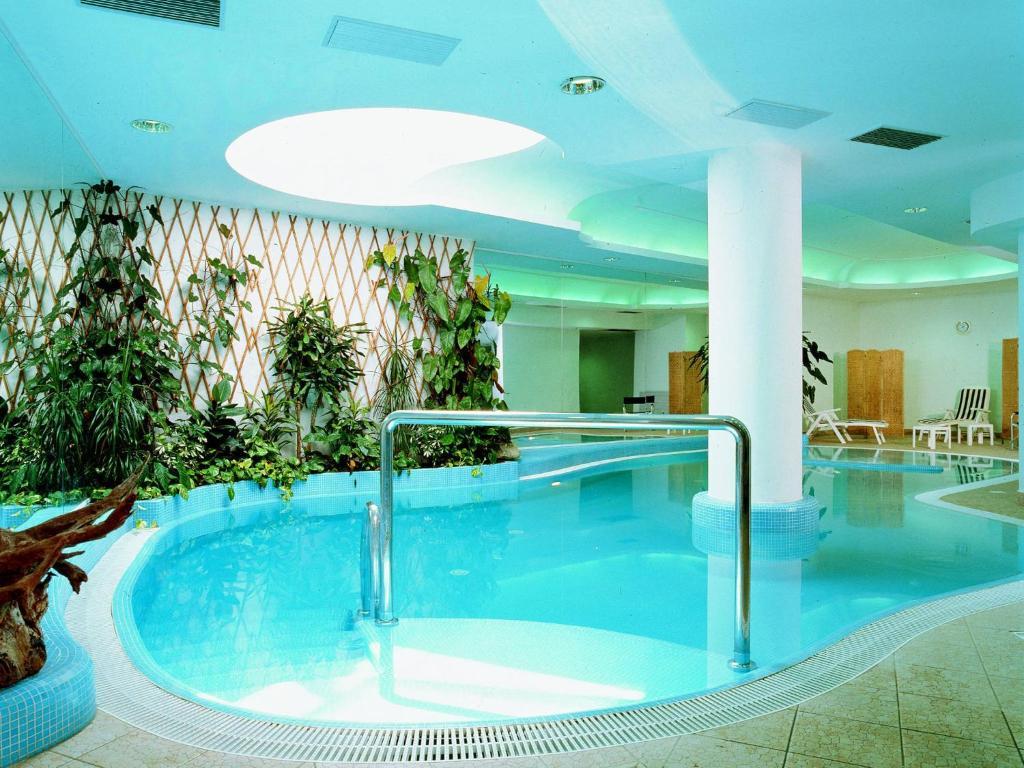 Awesome galleria immagini di questa struttura with centro - Torre del grifo piscina ...