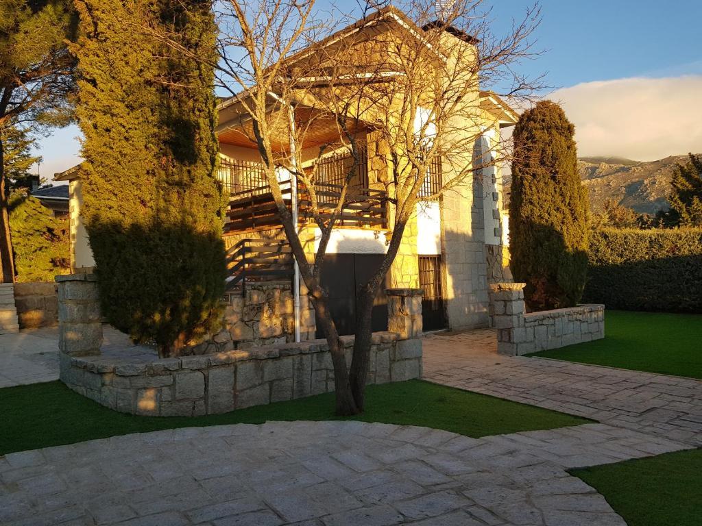 Chalet Sierra Guadarrama Cercedilla, Матаелпино – Обновени ...