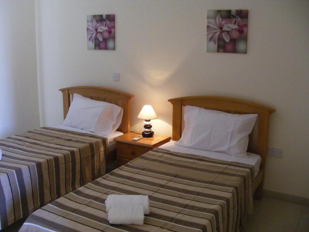 Eleana Hotel Apartments (Kıbrıs, Ayia Napa) - Yorum, açıklaması ve turist yorumları 1