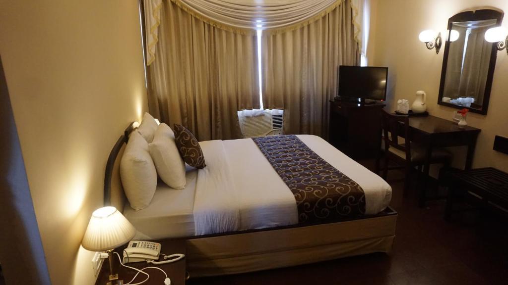 Hotel Poonja Int'l, Mangalore, India - Booking com