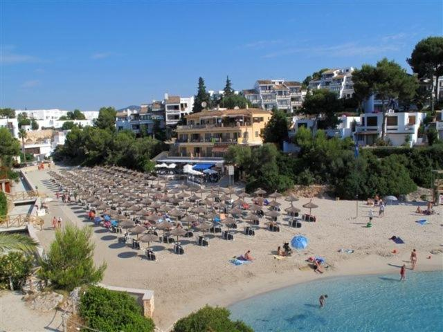 Apartamentos playa marina cala ferrera updated 2018 prices for Apartamentos playa
