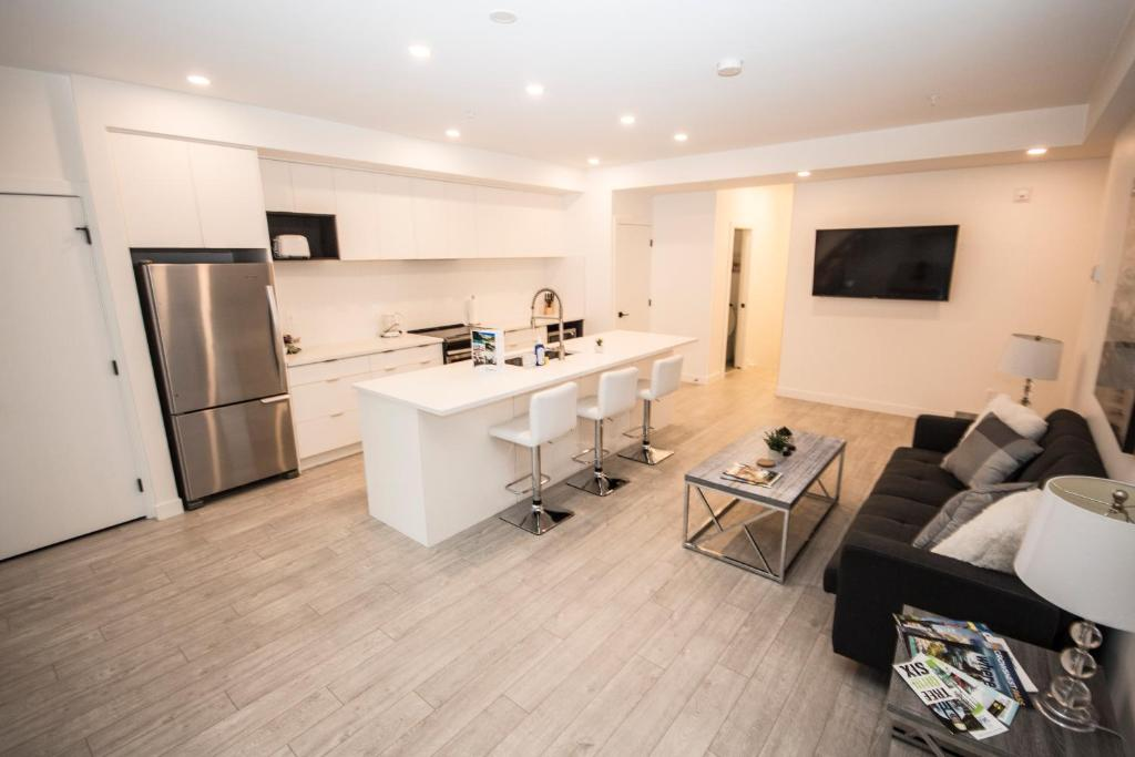 Apartment SwitchBloc 40 Bedroom Calgary Canada Booking Impressive 2 Bedroom Apartments For Rent In Calgary Decor