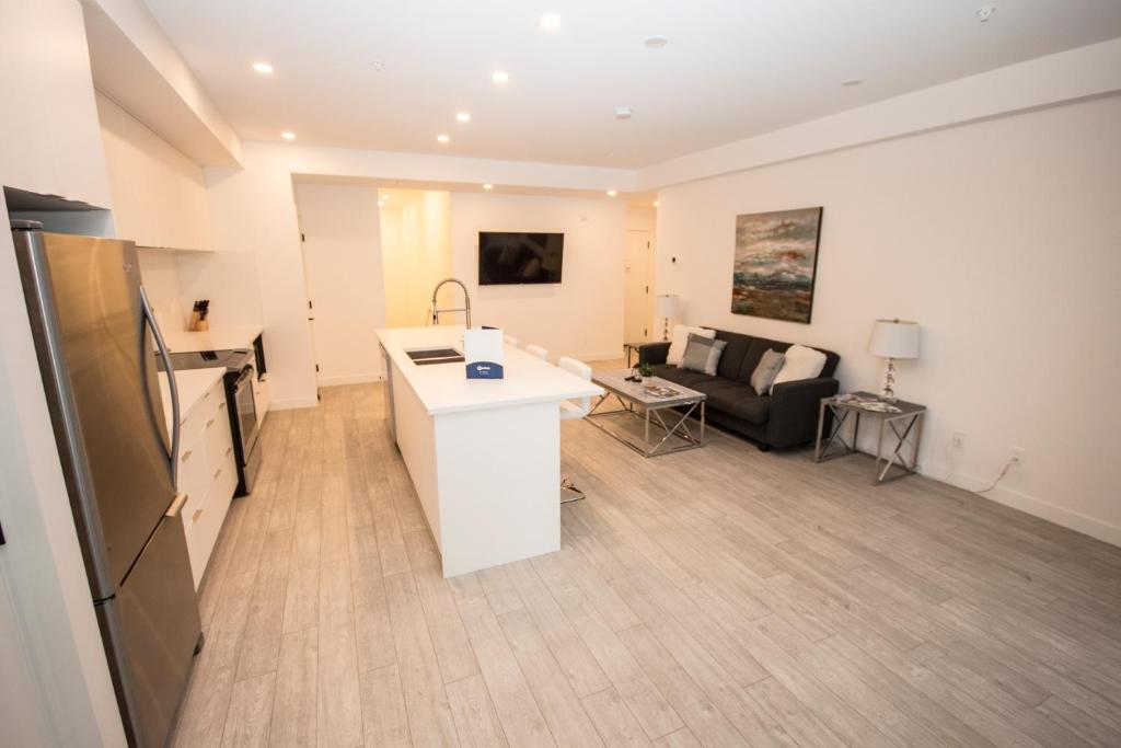 Apartment SwitchBloc 40 Bedroom Calgary Canada Booking Unique 2 Bedroom Apartments For Rent In Calgary Decor