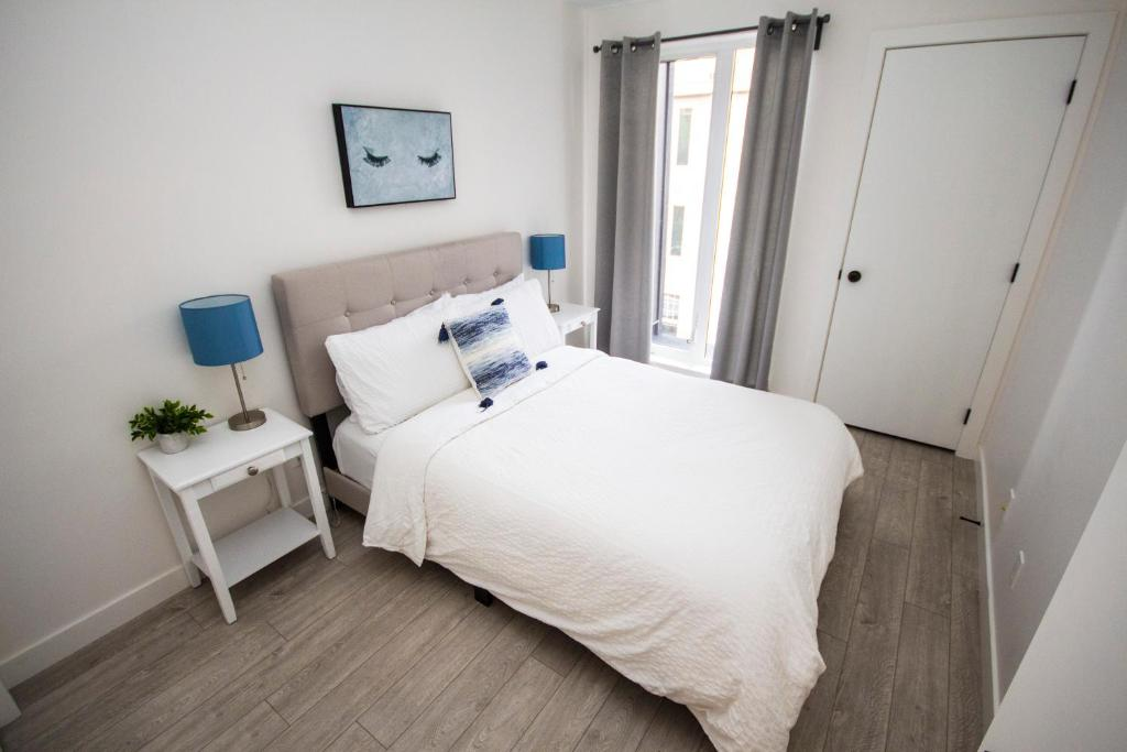 Apartment SwitchBloc 40 Bedroom Calgary Canada Booking Classy 2 Bedroom Apartments For Rent In Calgary Decor