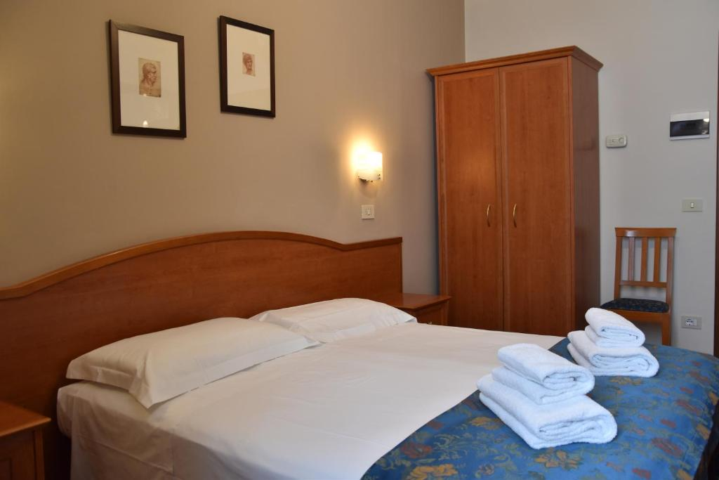 Bed and Breakfast Soggiorno Madrid, Florence, Italy - Booking.com