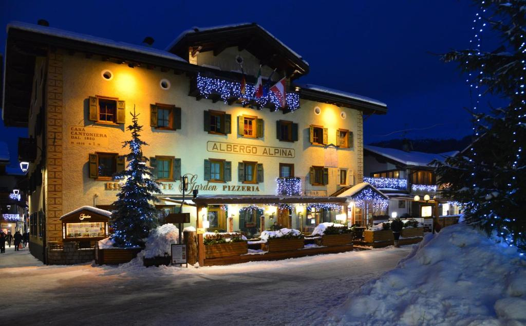 Hotel Alpina Livigno Italy Bookingcom - Alpina hotel