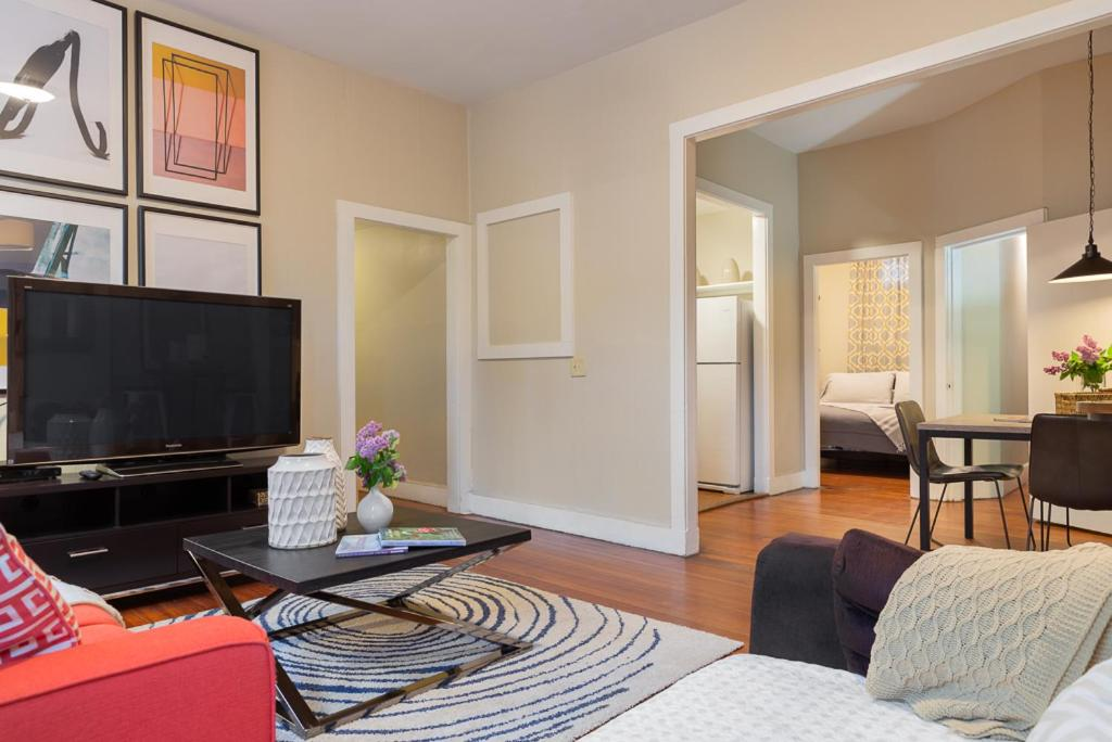 A television and/or entertainment center at Boston Little Italy Two Bedrooms (H2D)
