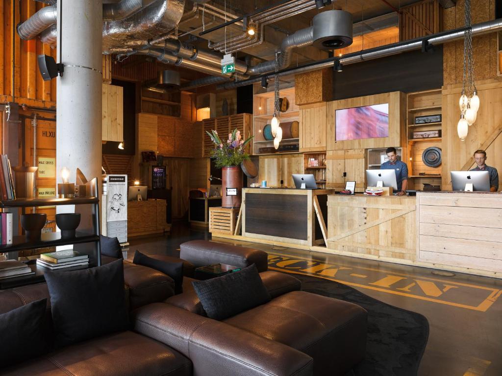 Lobby/Rezeption in der Unterkunft 25hours Hotel HafenCity