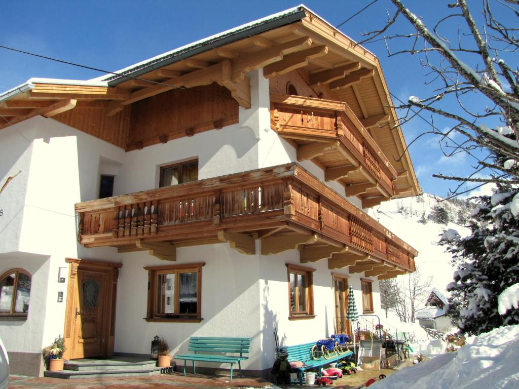 Apartment Haus Sonnleiten, Gerlos, Austria - Booking.com