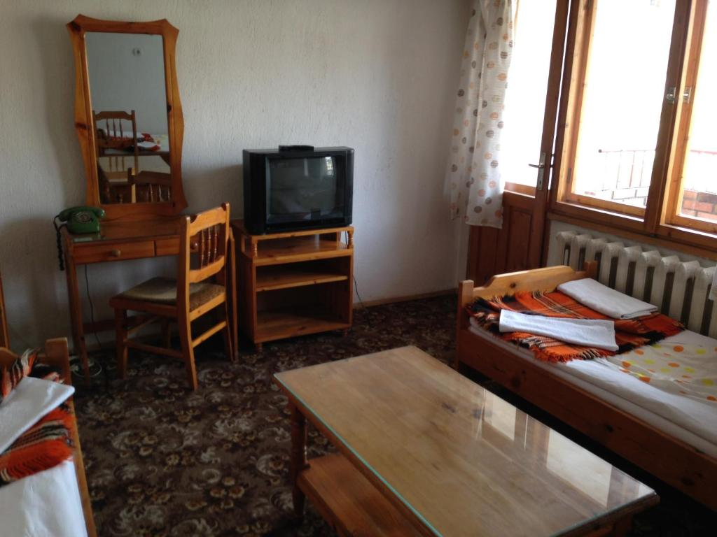 Къща за гости Семеен Хотел Катерина - Смолян