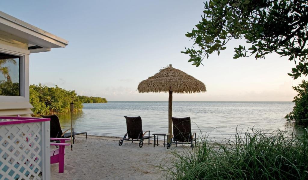 cottages booking beach florida photos keys com cottage us man key on rentals the beachside siesta by hotel sea fl