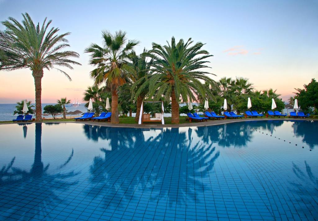 Hotel paphos cipro booking vip