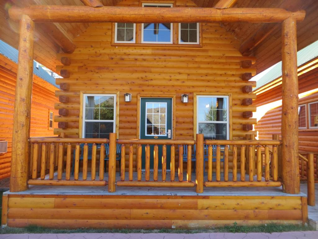 homeaway near all cabin of vacation mackinaw season cub cabins rental