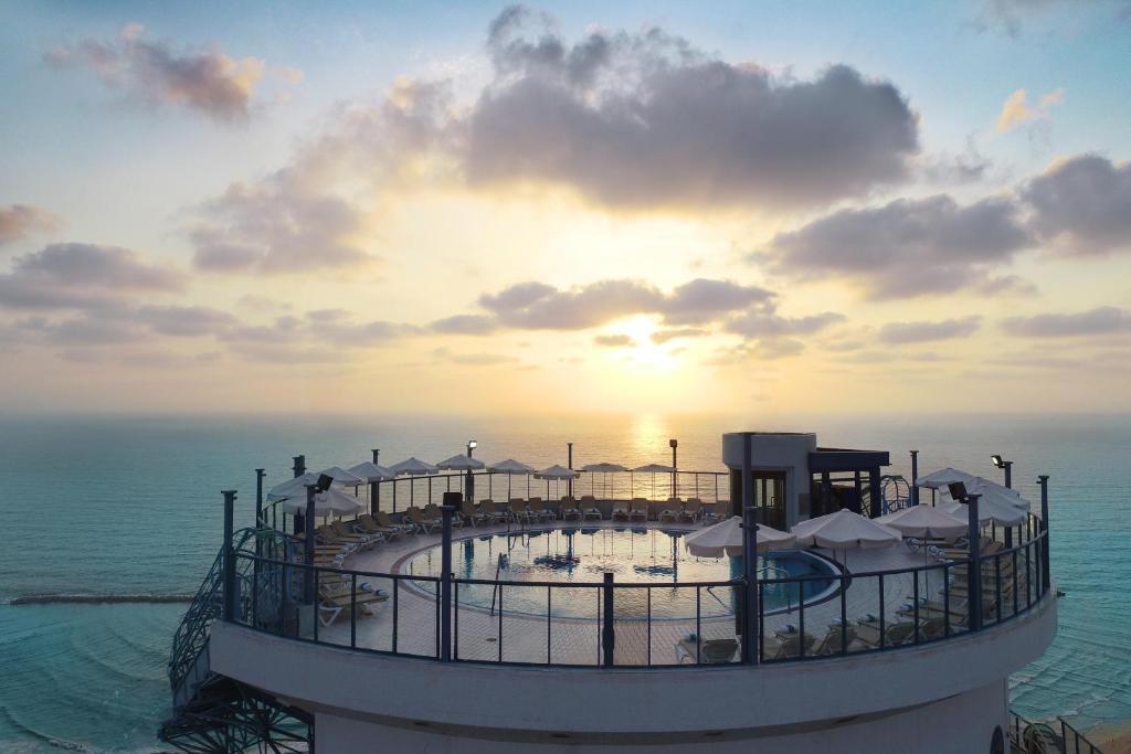 イスロテル タワー ホテル(Isrotel Tower Hotel)