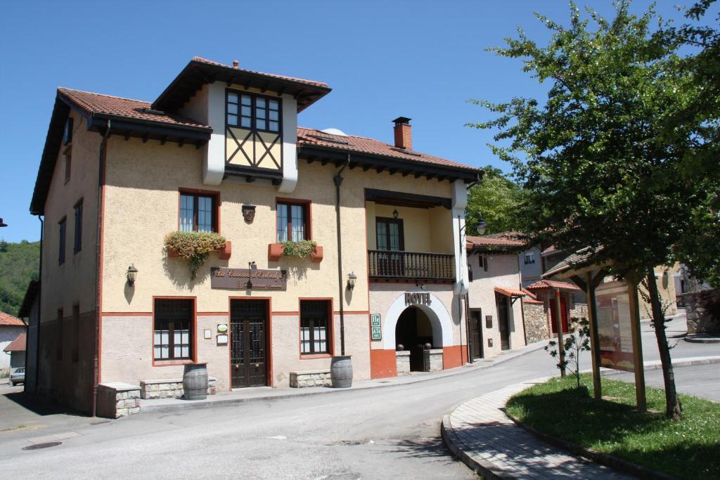 Casa de Campo La Casona De Entralgo (Espanha Pola de Laviana ...