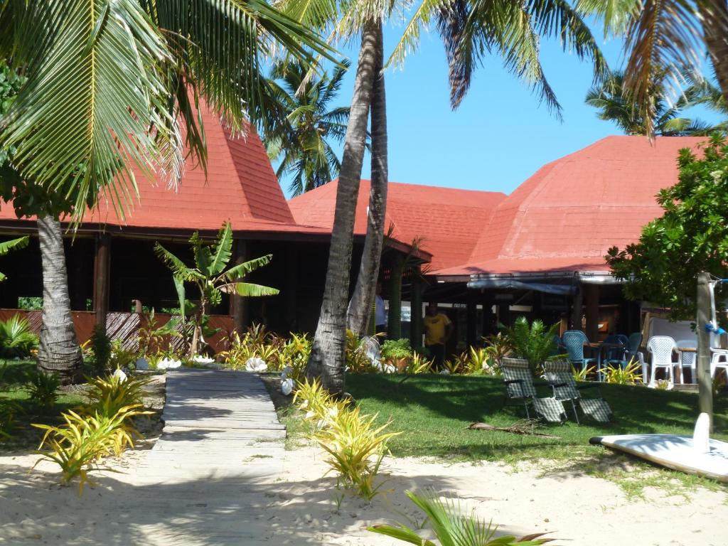 Resort royal sunset island nuku alofa tonga for Sunset lodge