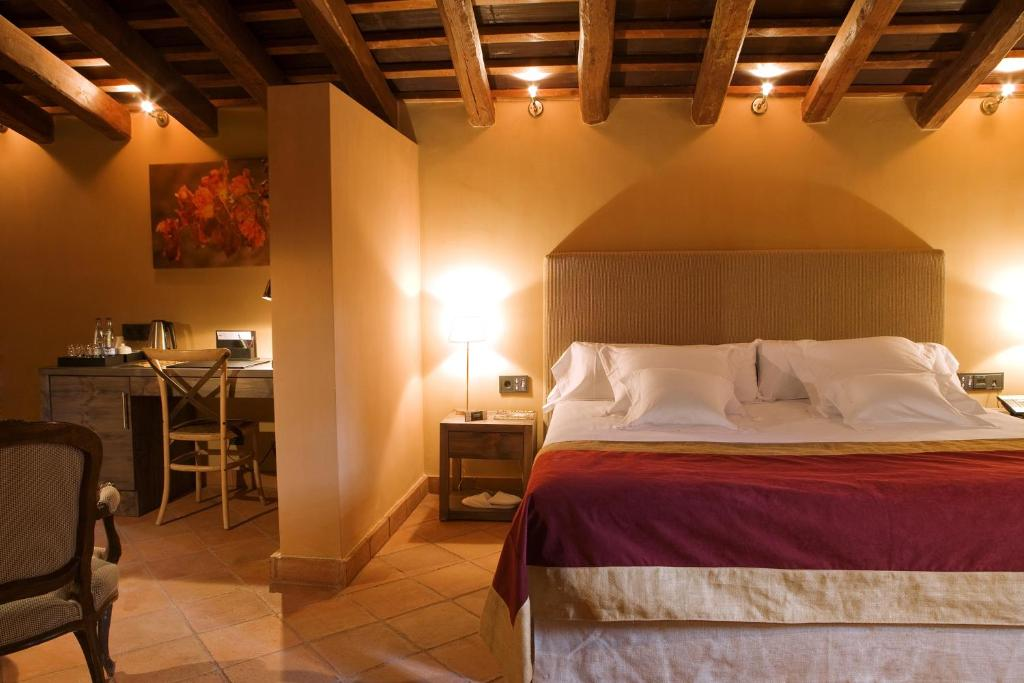 boutique hotels in la canonja  11