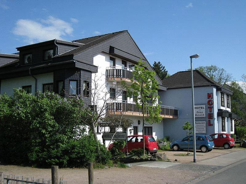 hotel prinz heinrich griesheim germany. Black Bedroom Furniture Sets. Home Design Ideas