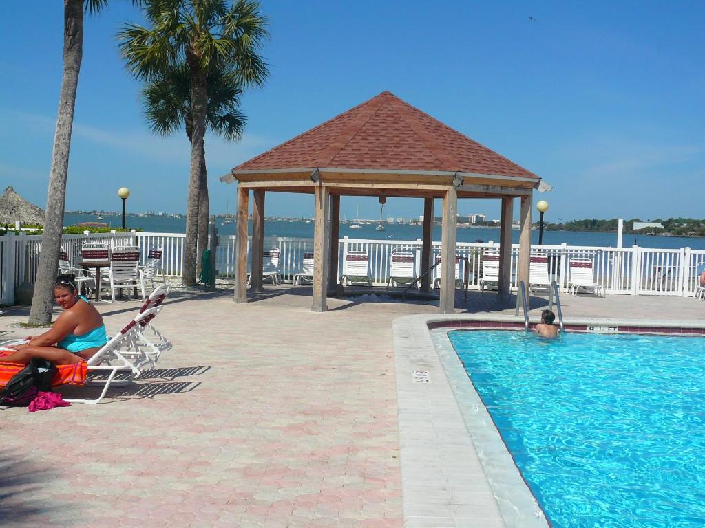 Vacation Home Bermuda Bay Beach Club St Petersburg Fl Booking