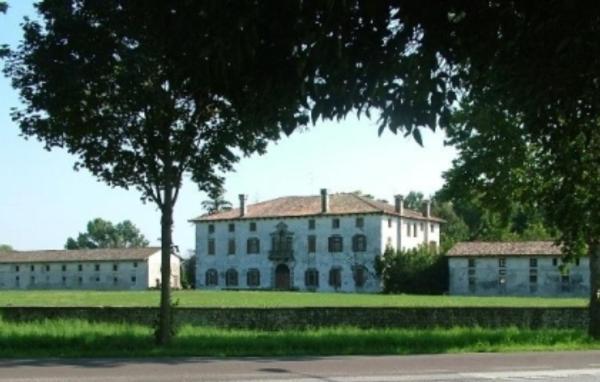 Villa mainardi argi italien camino al tagliamento booking
