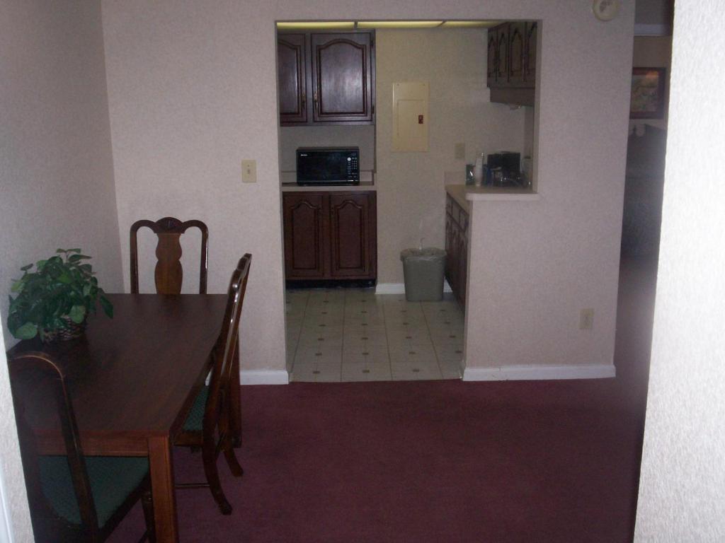 Garden Inn And Suites