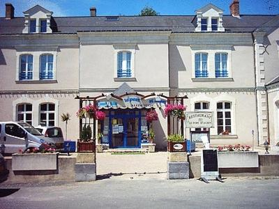 Hotel Logis Le Port Saint Aubin Morannes France Booking Com