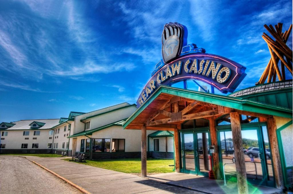 Bear Claw Casino Hotel