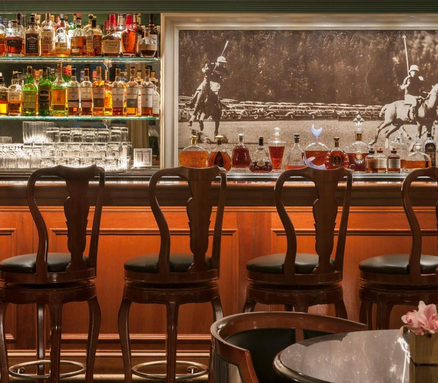 Интерьер ресторана в отеле Беверли-Хиллз