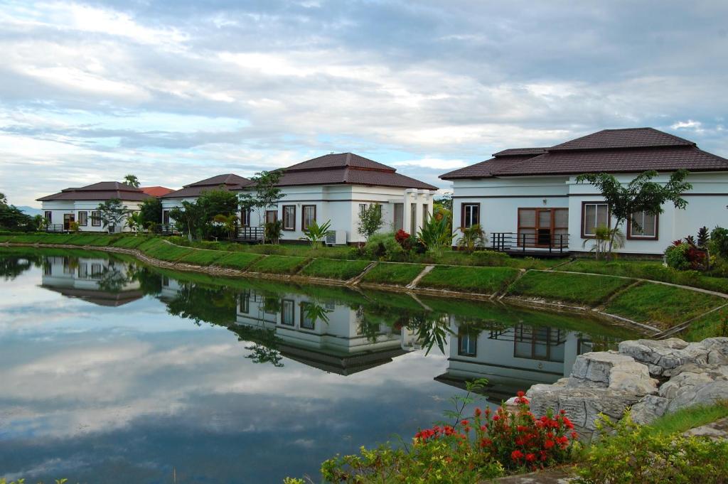 The Golden Lake Hotel Nay Pyi Taw Myanmar Booking Com