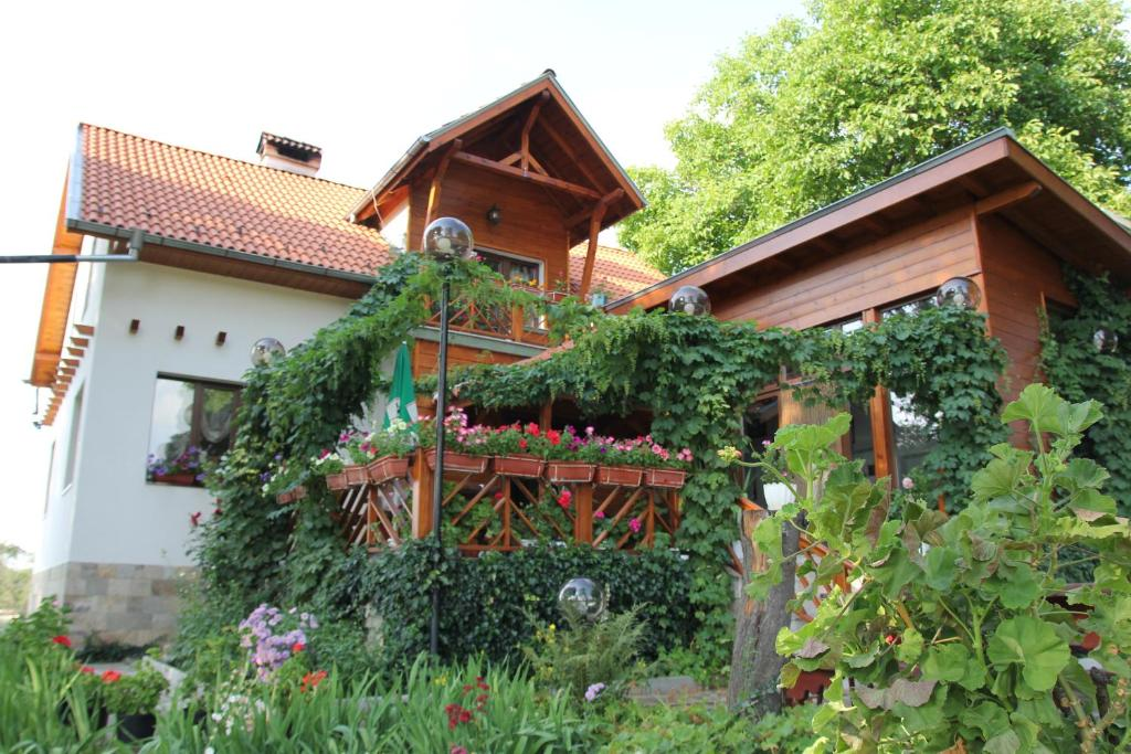 Къща за гости Орехите Гости - Самоков