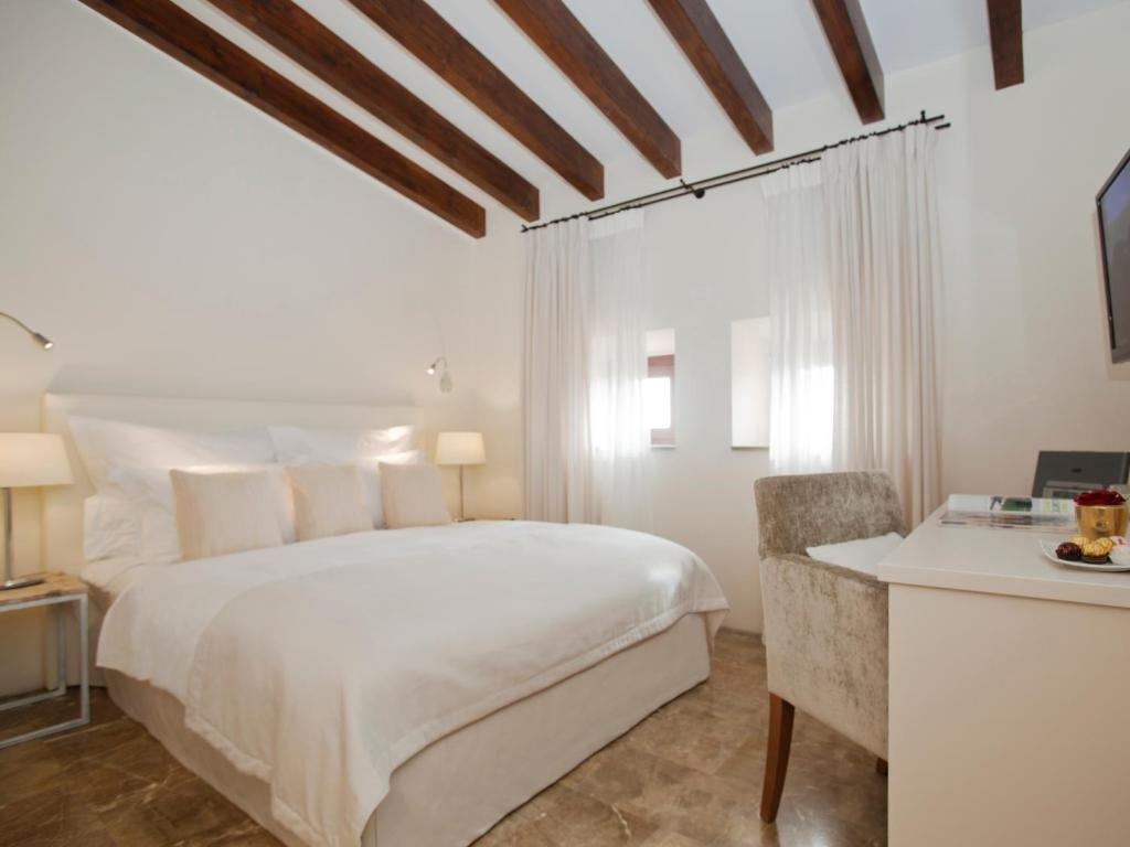 boutique hotels in balearic islands  203