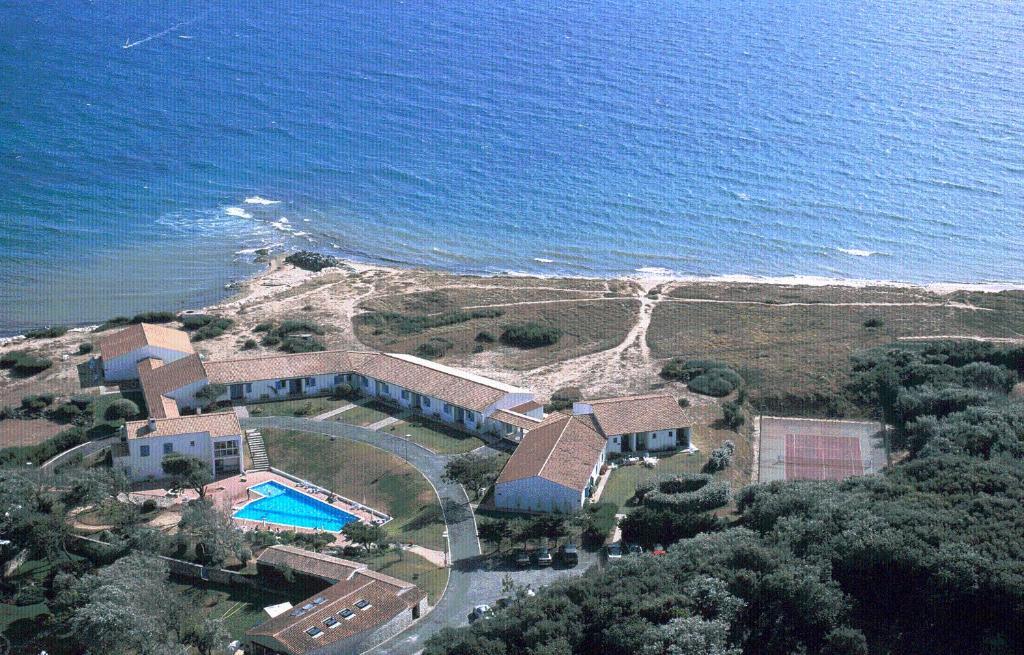 A bird's-eye view of Motel Île de Lumière