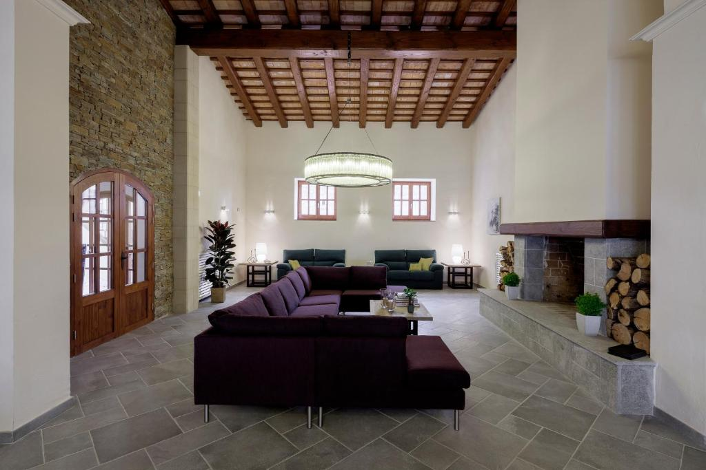 boutique hotels in girona  67