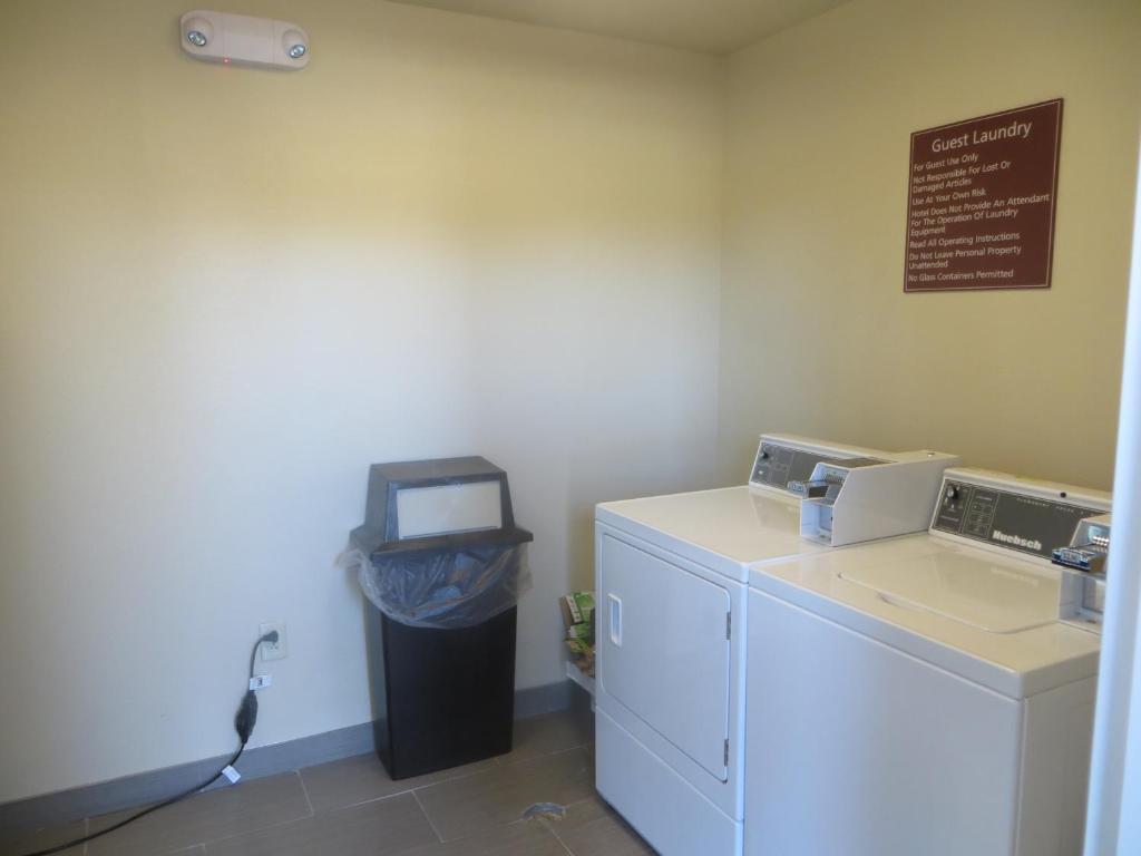 Garden Inn and Suites Little Rock AR Bookingcom