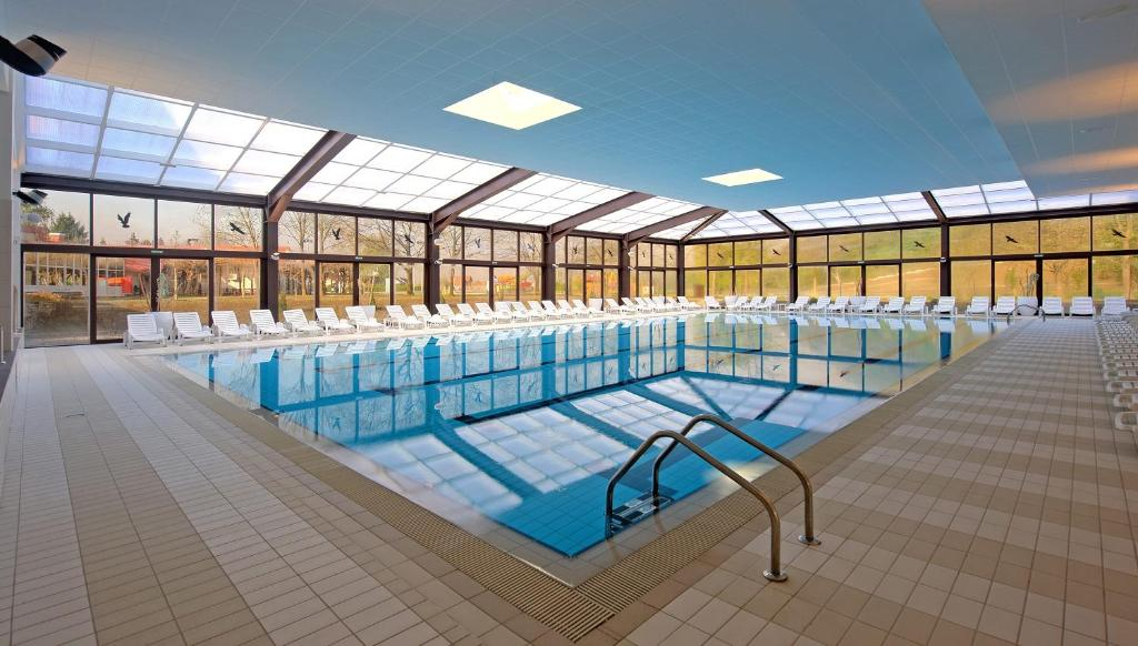 The swimming pool at or near Terme Jezercica