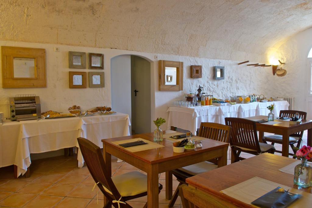 boutique hotels in sant lluis  6