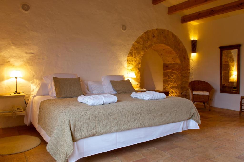 boutique hotels sant lluis  20