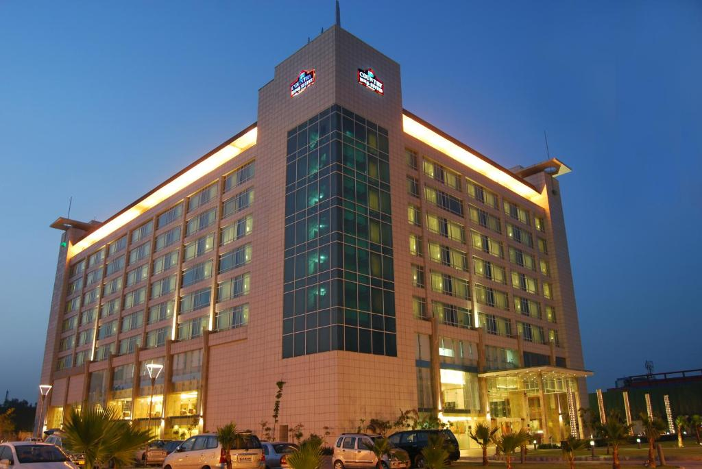 Country inn sahibabad ghaziabad india for Ideal hotel design booking