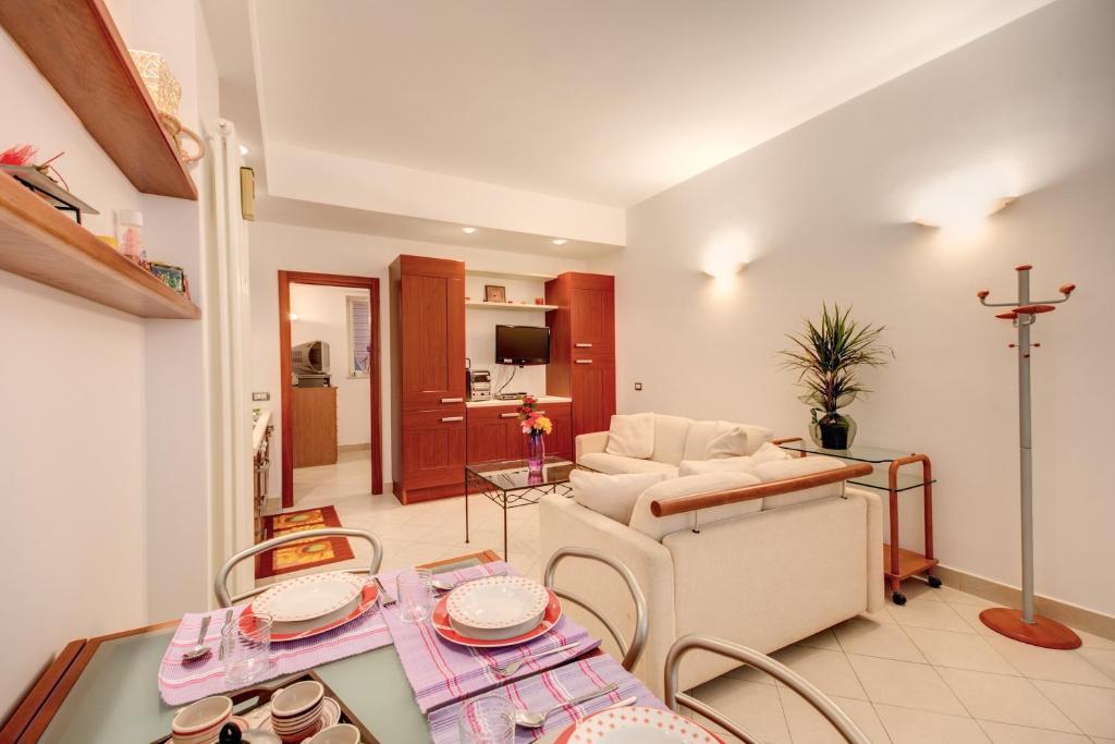 La casa dei sogni di serena roma prezzi aggiornati per for Piani personalizzati per la casa dei sogni