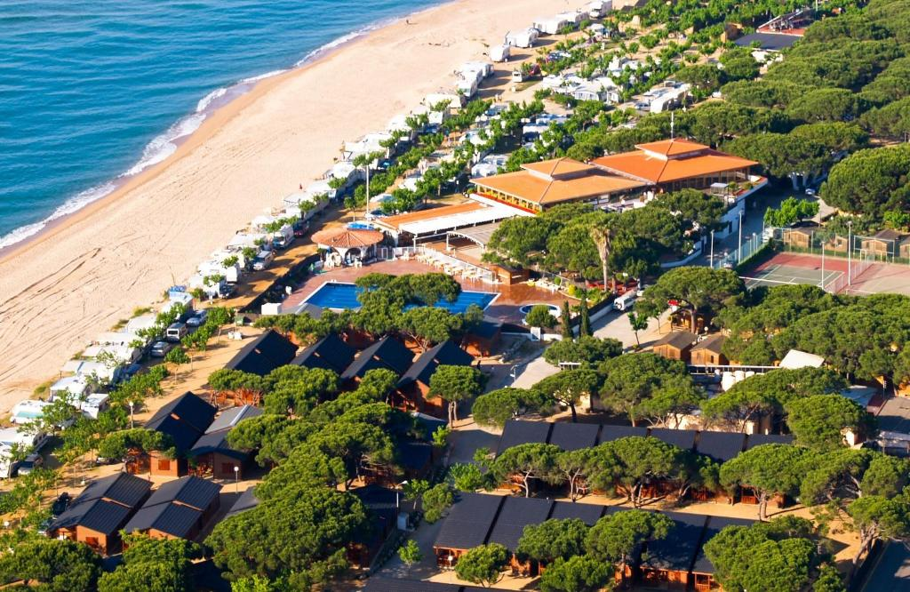 Een luchtfoto van Camping Bon Repós