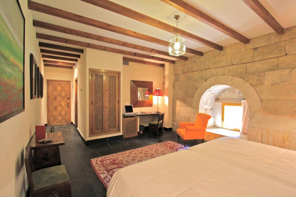 boutique hotels in villanueva de cañedo  11