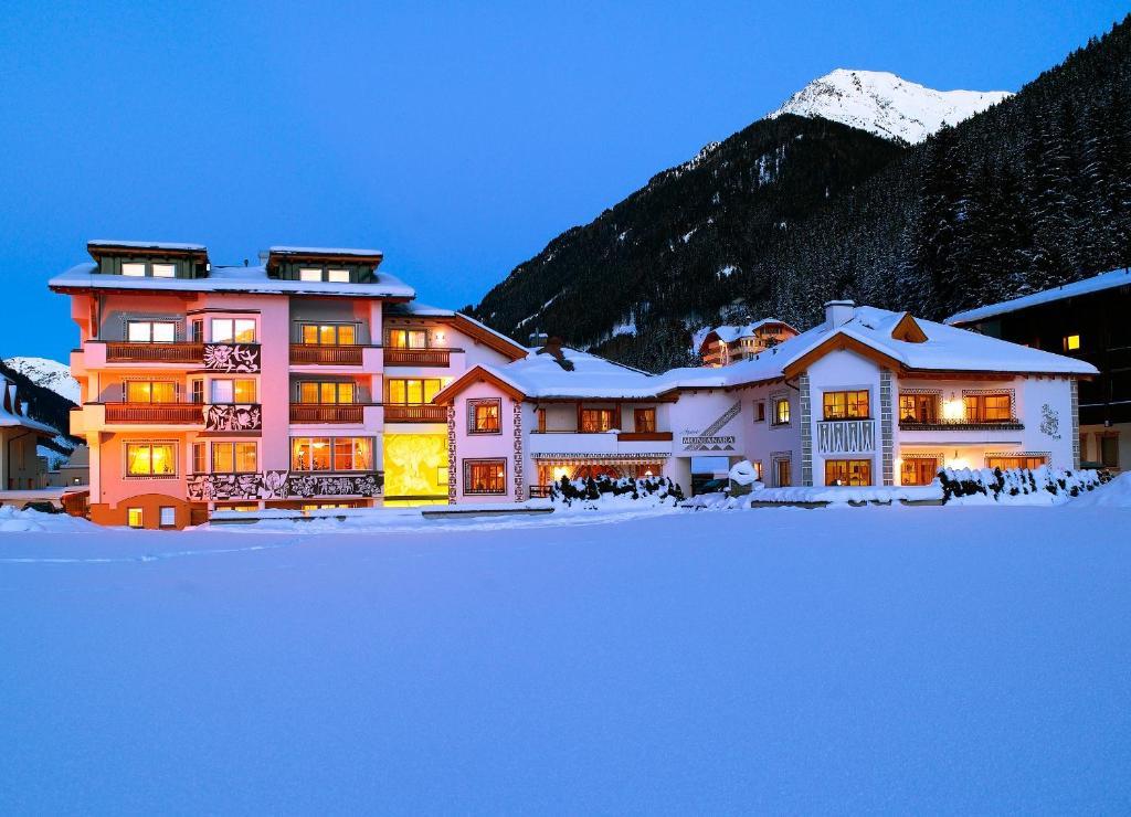 Hotel Montanara during the winter