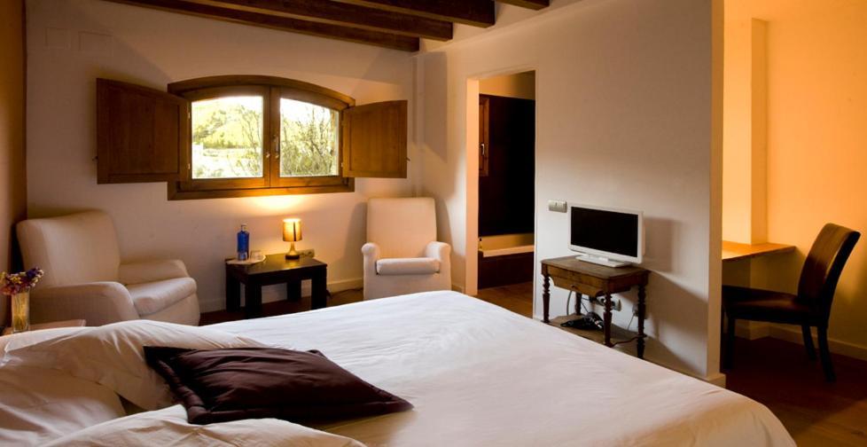 hoteles con encanto en pratdip  12